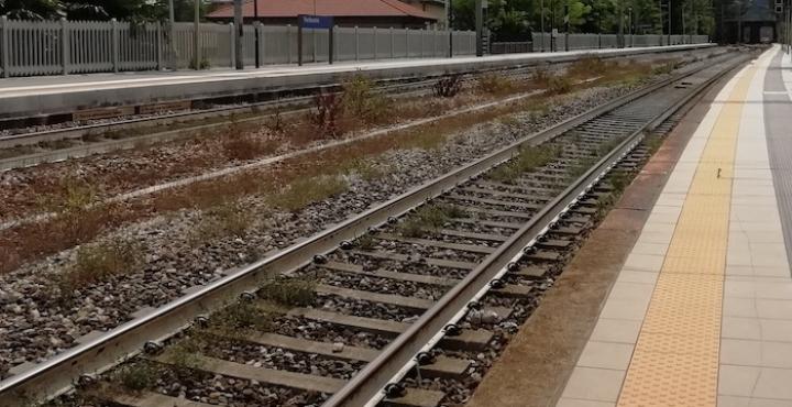"""Interotto il binario della Domo-Milano: treni """"dirottati"""" e in ritardo di un'ora"""